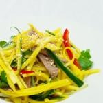 tradiční vietnamská kuchyně v Praze 2 - mango salát